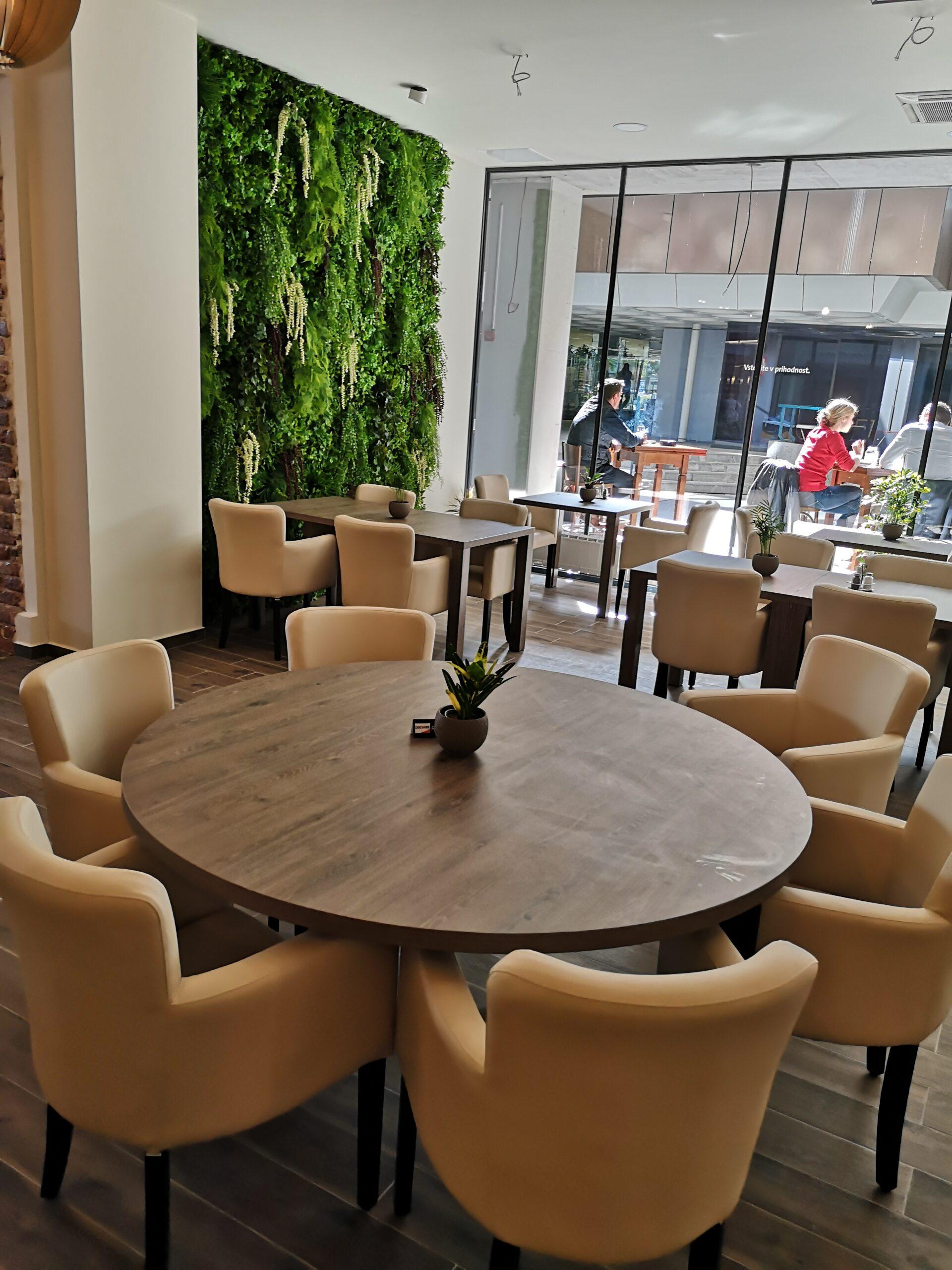 brejk-notranjost-restavracije